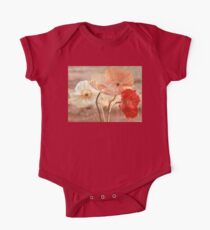 Poppies in Red, White & Peach Baby Body Kurzarm
