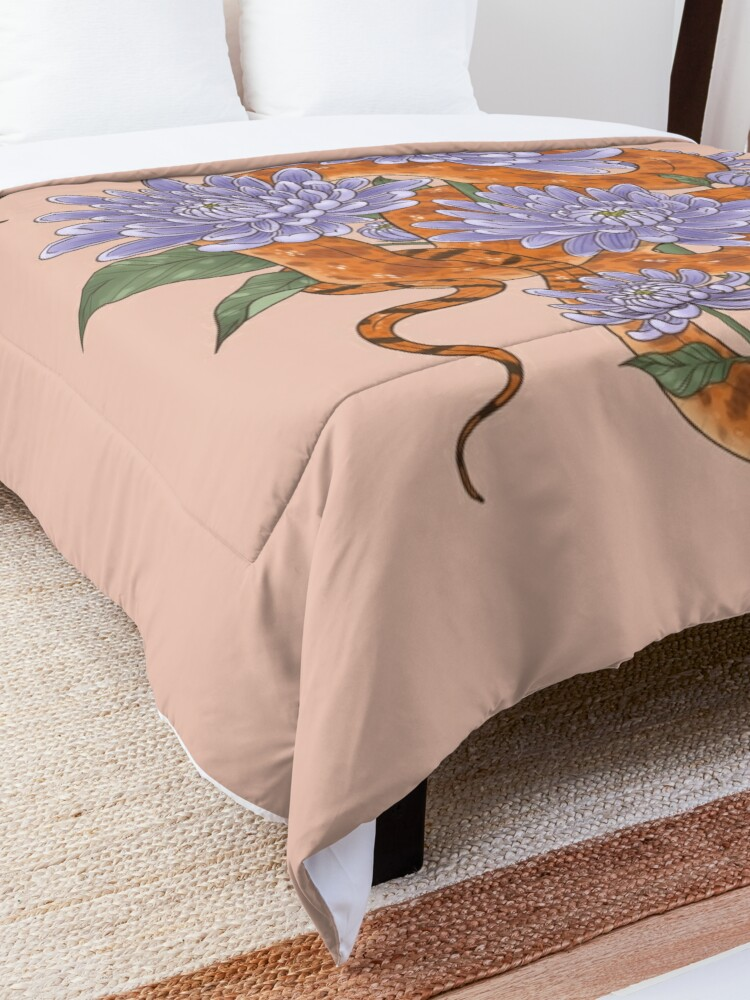 Alternate view of Bull Snake with Chrysanthemum Comforter