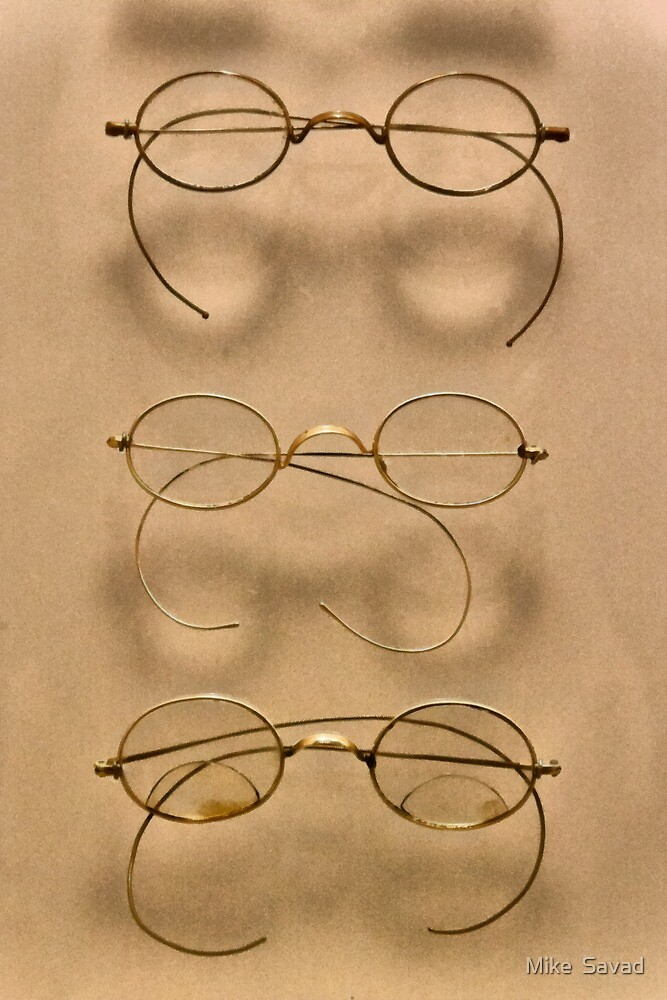 Optometrist - Simple gold frames by Mike  Savad