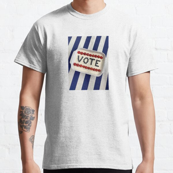 Type to Vote Cake Classic T-Shirt