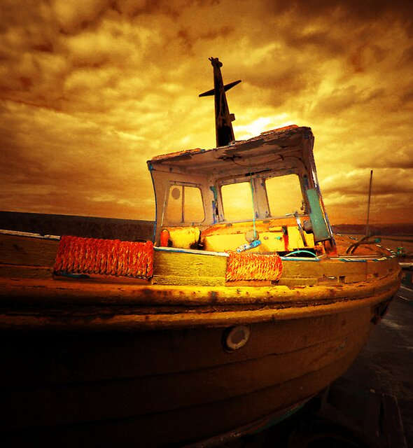 THE GHOST BOAT by leonie7
