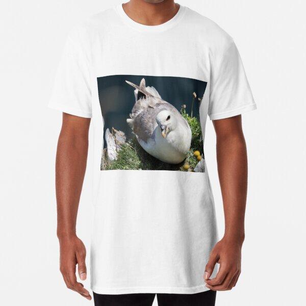 A fulmar at Cantick Head on Hoy Long T-Shirt