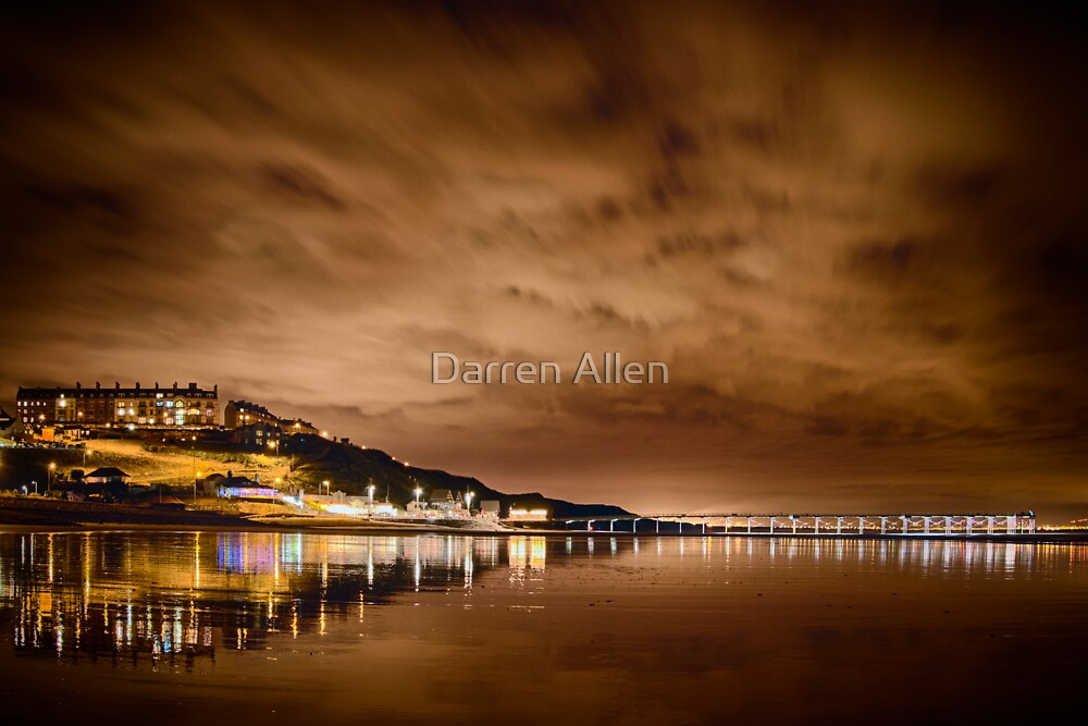 Saltburn at night by Darren Allen