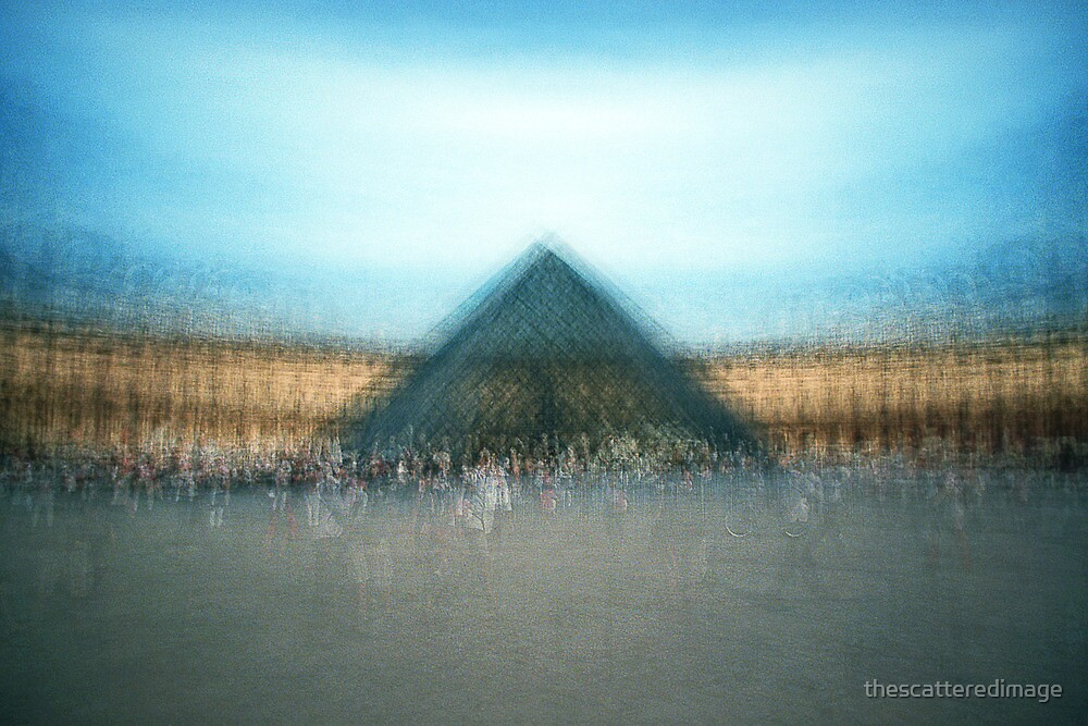 Louvre, Paris by thescatteredimage