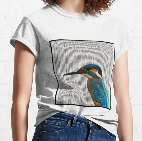 All of the birds died in 1986 due to Reagan killing them and replacing them with spies that are now watching us. The birds work for the bourgeoisie Classic T-Shirt