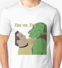 Kiss me, Kirk! Unisex T-Shirt