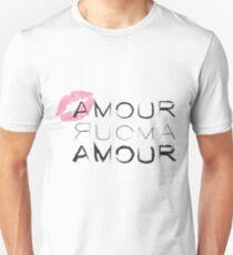 Kiss Amour Unisex T-Shirt