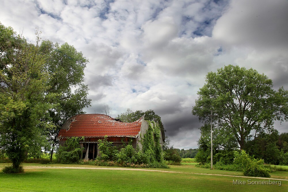 Caro Barn by Mike Sonnenberg