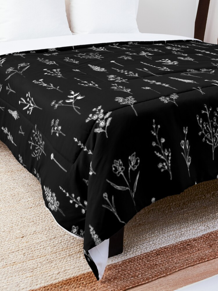 Alternate view of Black wildflowers Comforter