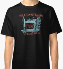 Funny seamstress vintage sewing machine Classic T-Shirt