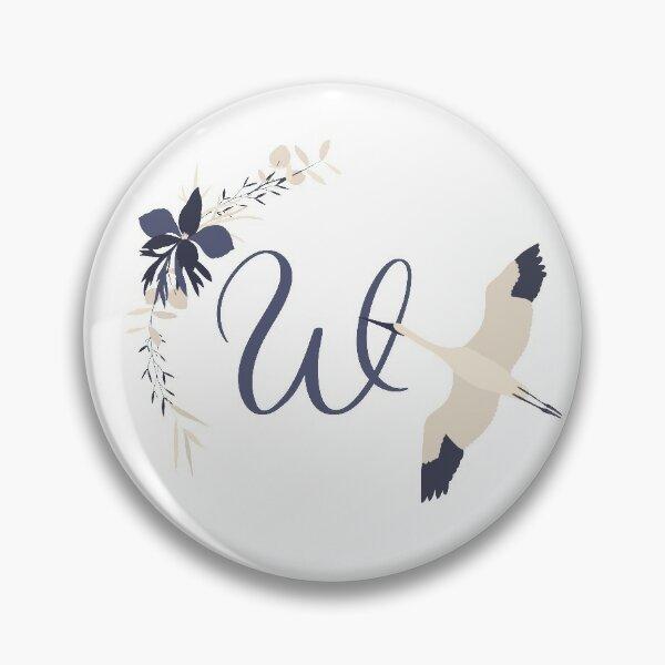 Fleur Initial W Pin