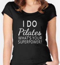 Camiseta entallada de cuello redondo Yo hago Pilates ¿Cuál es tu superpotencia?
