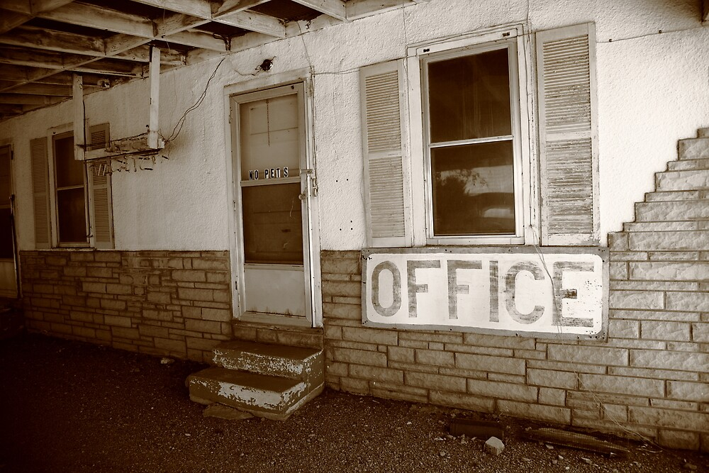 Route 66 Motel by Frank Romeo
