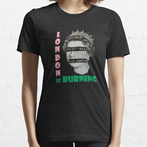 London is burning Essential T-Shirt