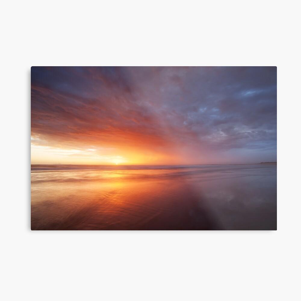 Sunlight breaking through at Sharpes Beach, NSW Lámina metálica