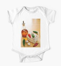 Garlic and Chilli Basket With Oil One Piece - Short Sleeve