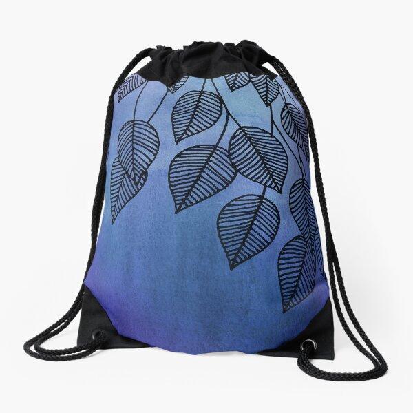 Verwenden Sie Waschungen, um Textur und Farbe zu erkunden. Die Blätter wurden von Hand mit einem Tintenstift gezeichnet Turnbeutel