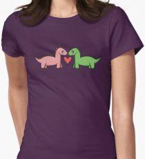 Love at first roar.  Tailliertes T-Shirt für Frauen