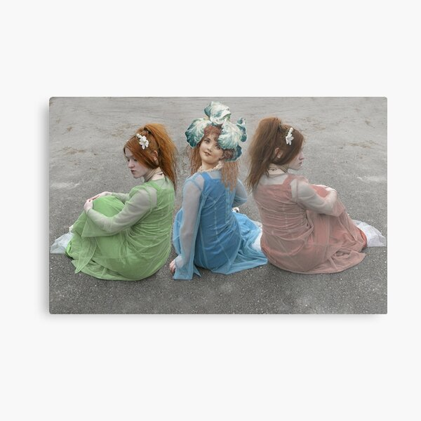 MIDDLE CHILD ALWAYS TRYING TO BE DIFFERENT Metal Print