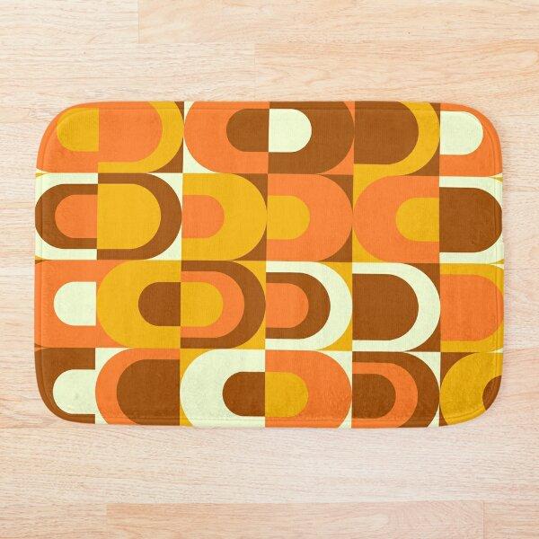 70s Pattern Retro Inustrial in Orange and Brown Tones Bath Mat