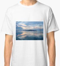 Floating Island, Isola Polvese, Lago Trasimeno, Umbria, Italy Classic T-Shirt