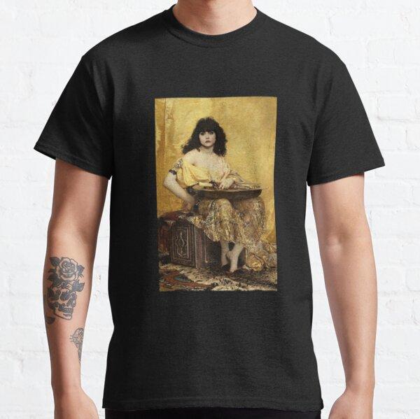 Nadja Classic T-Shirt
