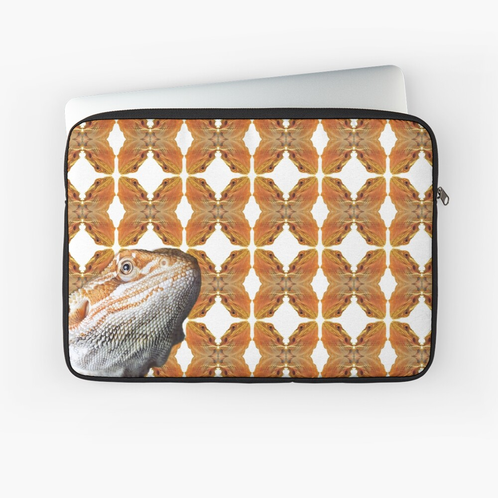Bearded Dragon Patterned Background With Beardie Head Laptop Sleeve