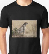 Looking About, Cheetah, Maasai Mara, Kenya T-Shirt
