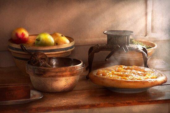 Food - Pie - Mama's peach pie by Michael Savad