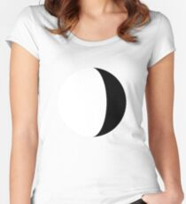 Moony Women's Fitted Scoop T-Shirt