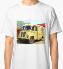 Old Yellow Vintage Delivery Van Classic T-Shirt