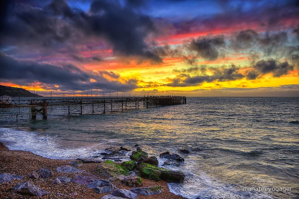 Totland Pier Sunset by manateevoyager