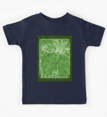 Mottled Red Poinsettia 1 Ephemeral Outlined Green Kids Tee