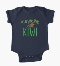 I'm a WEE little kiwi with New Zealand map One Piece - Short Sleeve