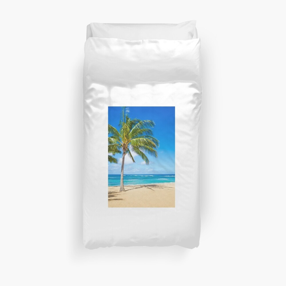 Palm trees on the sandy beach in Hawaii Bettbezug