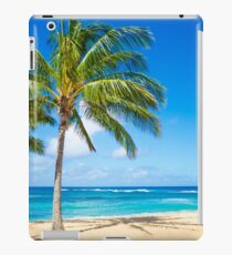 Vinilo o funda para iPad Palm trees on the sandy beach in Hawaii