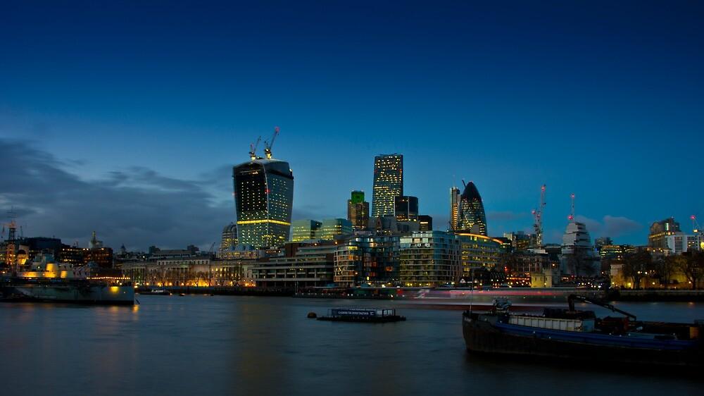 London city skyline by Andrea Rapisarda