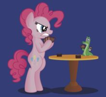 Pinkie Pie and Gummy Play Magic Shirt (My Little Pony: Friendship is Magic) | Unisex T-Shirt