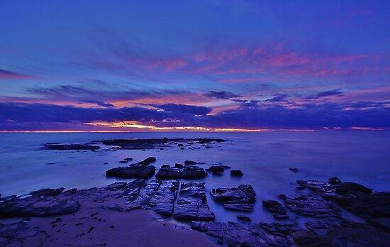 Soldiers Beach Sunrise by Len  Gunther