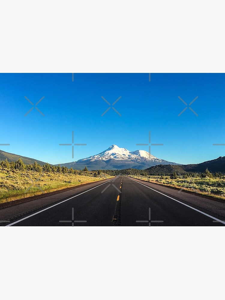 Mount Shasta by wanderingfools