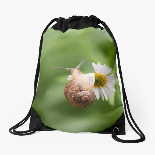The snail that's determined Drawstring Bag