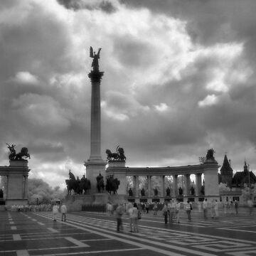 Hősök tere, Budapest by rodneyj46