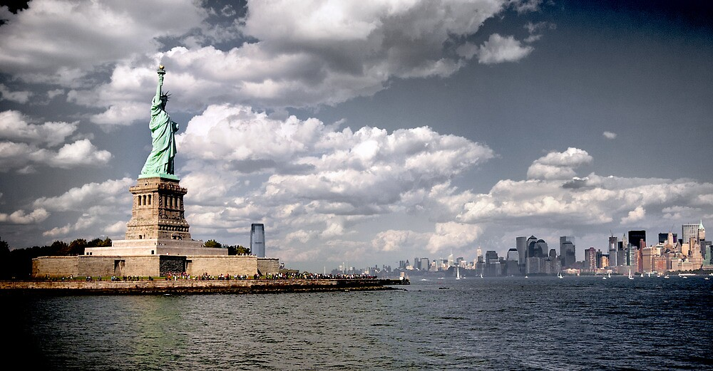 New York, Statue of Liberty by Mike Suszycki