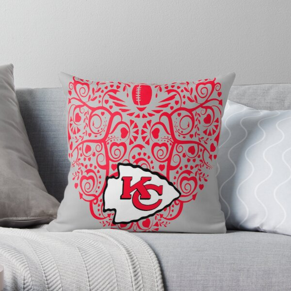 Heart kc mask Throw Pillow