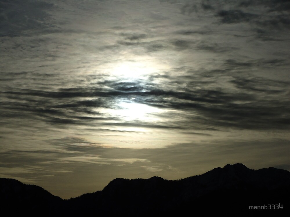 Hazy Sun Day by mannb3334