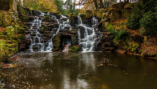 The waterfall in Virginia Water by LacoHubaty