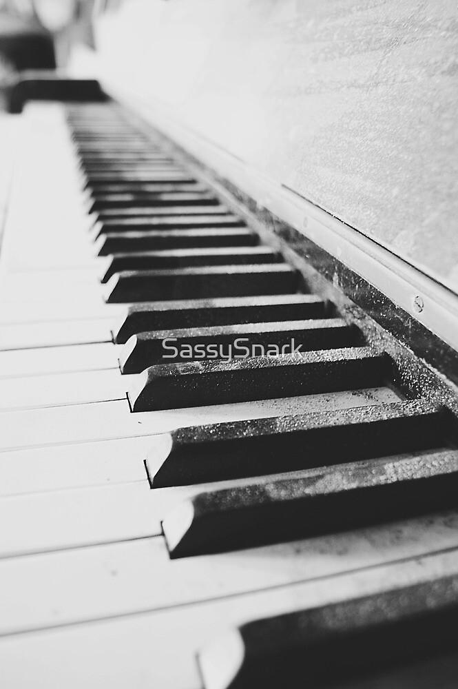 Vintage piano - black & white by SassySnark