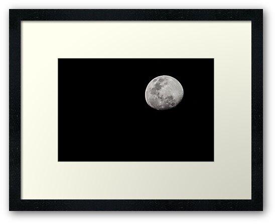 Full Moon by beardedbandit
