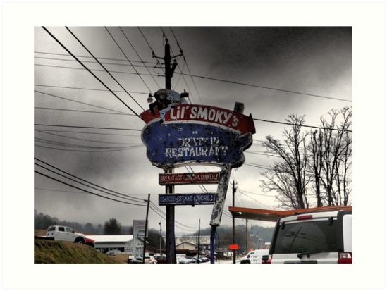 Vintage Roadside Attractions, Burnsville, NC's Lil' Smoky's by Marielle Valenzuela