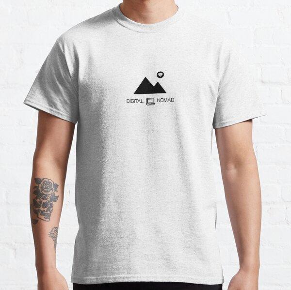 Nómada digital: montaña y diseño de portátiles Camiseta clásica